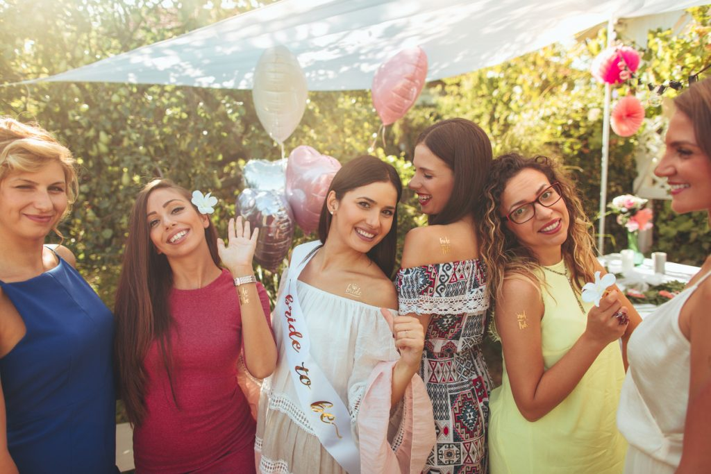 Girl/'s Night out Scavenger hunt Party Game Ideal for Hen Party Or A Good Girls